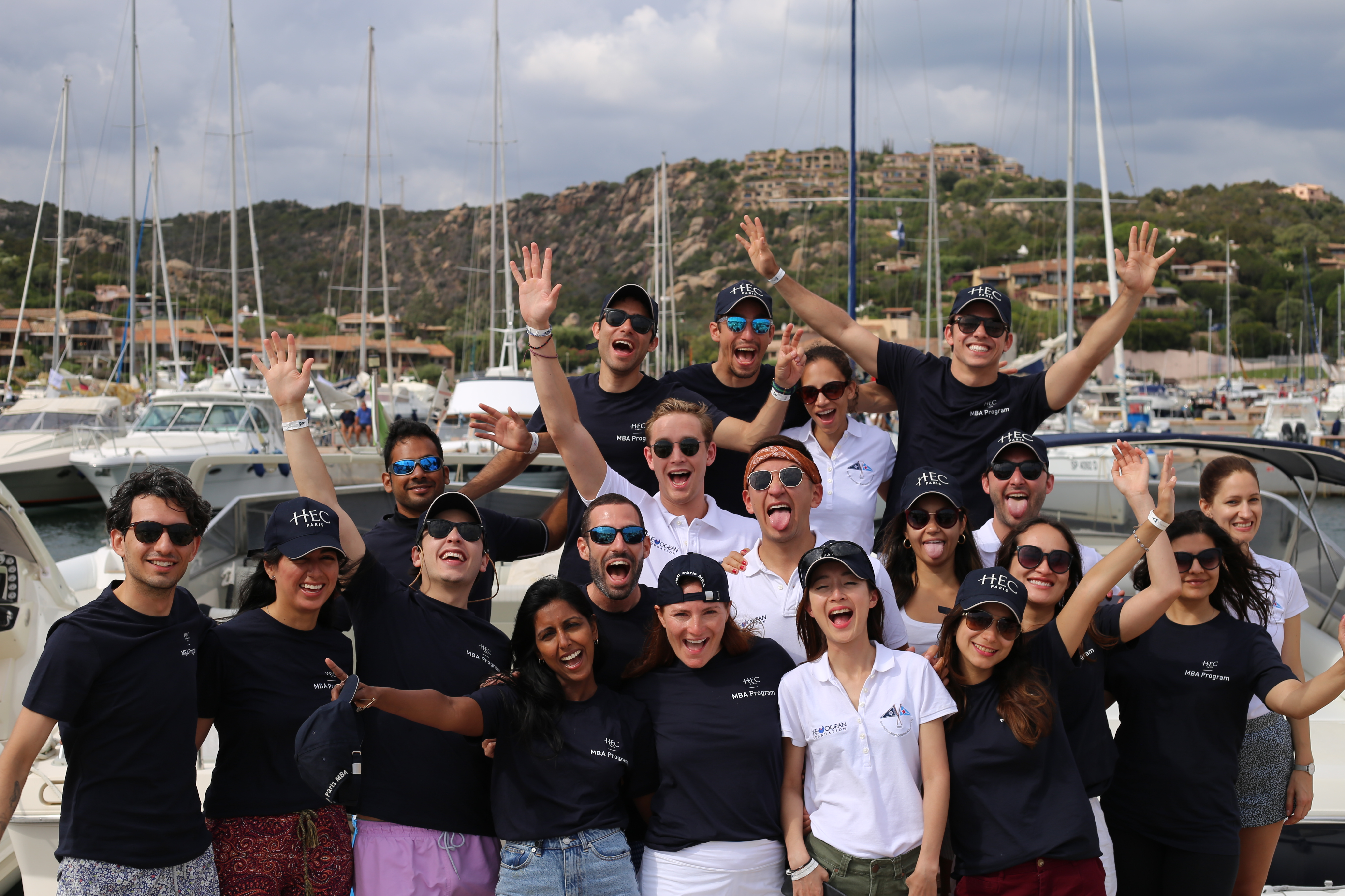 19 students and one HEC Paris MBA alumnus competing in the regatta