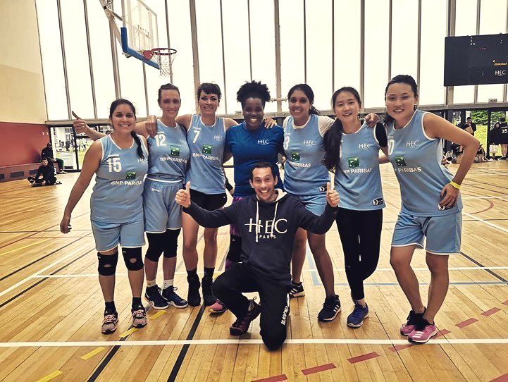 The champion women's basketball team from the HEC Paris MBA