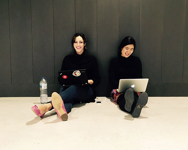 Hanging out in the S building back in 2018, then-MBA students Maria Elena Martyak and Yoshiko Tokuchi