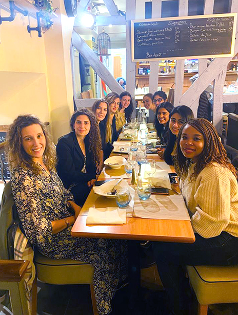 A group of MBA women dining out